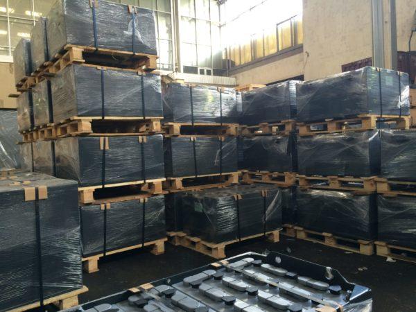 АКБ- Тяговая аккумуляторная батарея для ЕП 006 (Кислотная) 80V 180Ah АКБ 2х40 V 3 PzSL 180 с ушами 516x660x417 мм