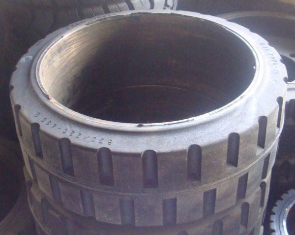 ШИНА МАСИВНАЯ 630/220/480 290921 6044 02.00.00 передние ЕВ 735 колесо литое , шина бандажная 630/220-480( бескамерное )