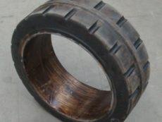 ШИНА МАСИВНАЯ 450/160-320 290924 6089 00.02.00 задние ЕВ 735 колесо литое , шина бандажная 450/160-320( бескамерное )