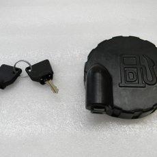 Крышка топливного бака с ключами 123/05892